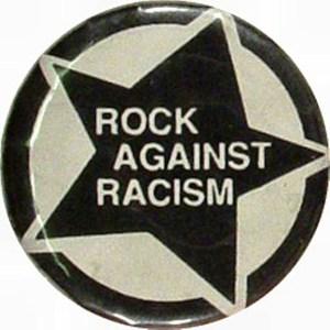Αυθεντική κονκάρδα με το λογότυπο του Rock Against Racism